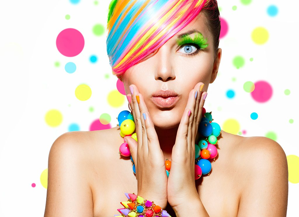 Le centre Dermaclinic vous propose des ateliers ou des formations en maquillage que vous soyez particulier ou professionnel débutante.