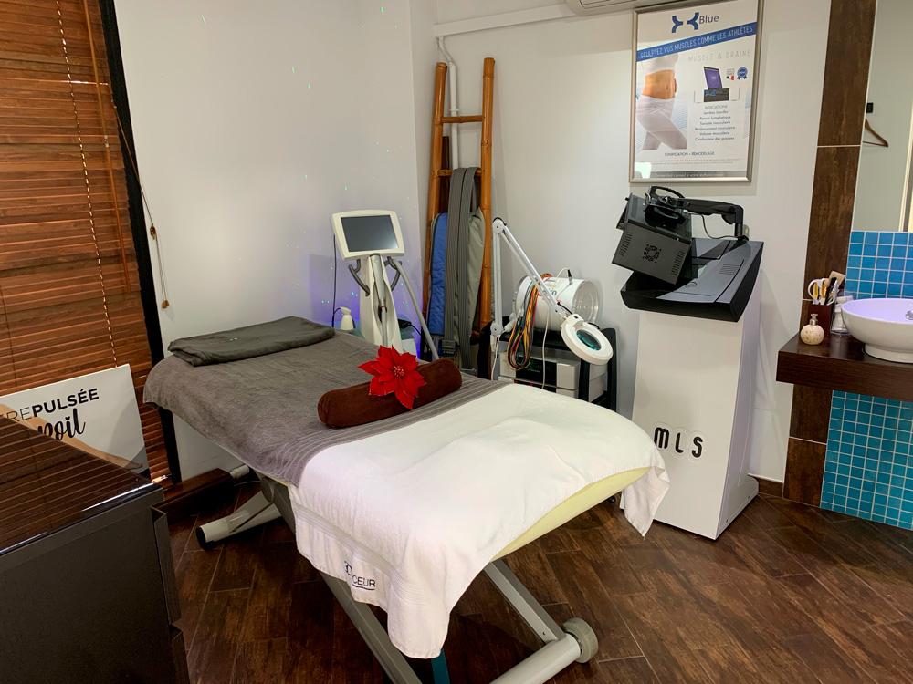 Centre spécialisé en soins des peaux avec tâches pigmentaires, peeling, microneedling, percussion transcutanée, dermabrasion